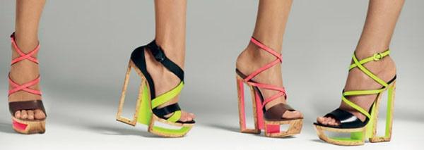 Сандали – съблазнителна покана за лятна мода